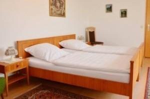 Ferienwohnung-Bad-Bellingen-Suite-Schlafraum-300x198 (1)